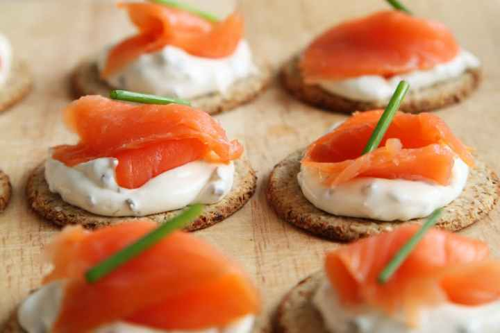 appetizer-canape-canapes-cheese-41967.jpeg